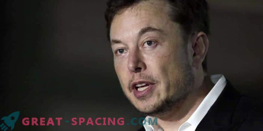Ilon Musk nimetas taas Marsi raketi.