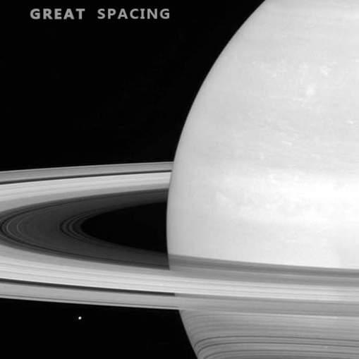 Cassini esimene ajalooline suhe Saturni rõngaste vahel