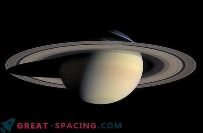 Cassini avastas Saturni ähmaselt õhukesed rõngad