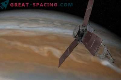 Težave motorja Juno v Jupitrovi orbiti