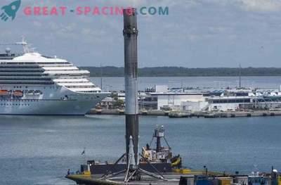SpaceX rakett käivitab satelliite ja ebaõnnestub ookeani maandumisel