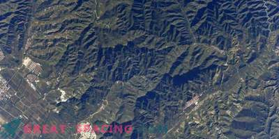 The Great Wall of China is visible from space! Or not?