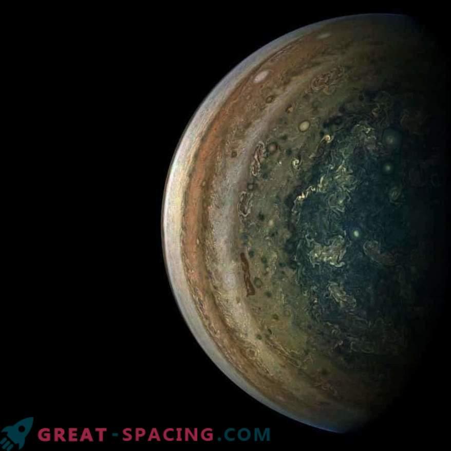 Hiiglasliku Jupiteri hämmastavad atmosfääri mustrid
