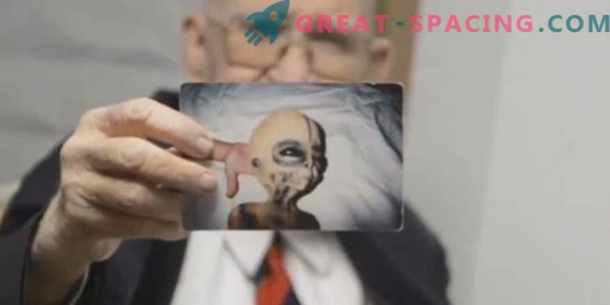 Boyd Bushman kinnitab, et need on maavälise olendi fotod