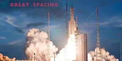 Ariane rakett käivitas satelliidi orbiidile India jaoks.