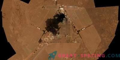 El polvo marciano hace que el rover silencioso