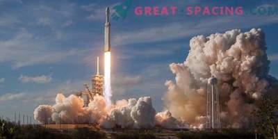 Tesla käivitamise aastapäev ja SpaceXi mannekeen