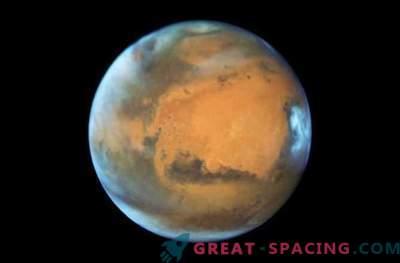 Hubble tegi Punase planeedi vastasseisu ajal Marsi maine