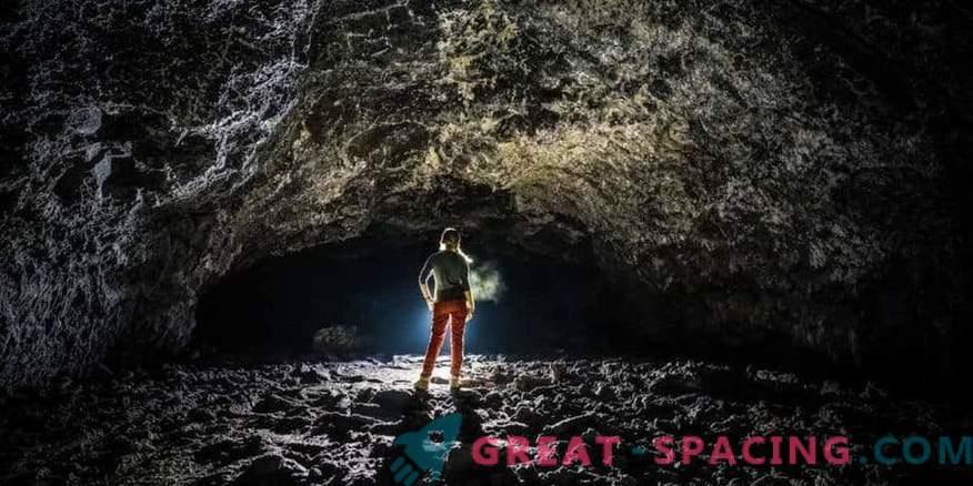 Inimesed saavad elada vulkaaniliste kuude tunnelites
