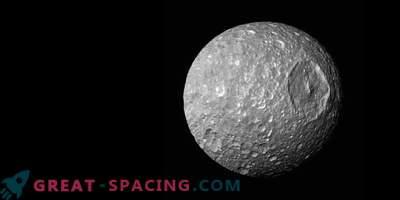 Moon Mimas - Saturni