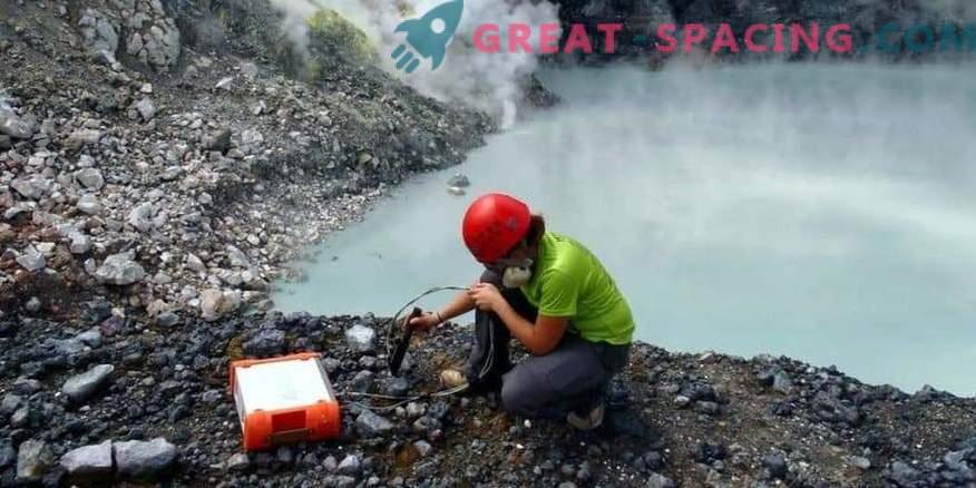 Mürgise järve mikroobid võivad anda vihjeid Marsi elu otsimiseks