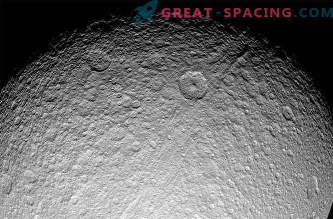 Saturni rõngad ja satelliidid nooremad kui dinosaurused?