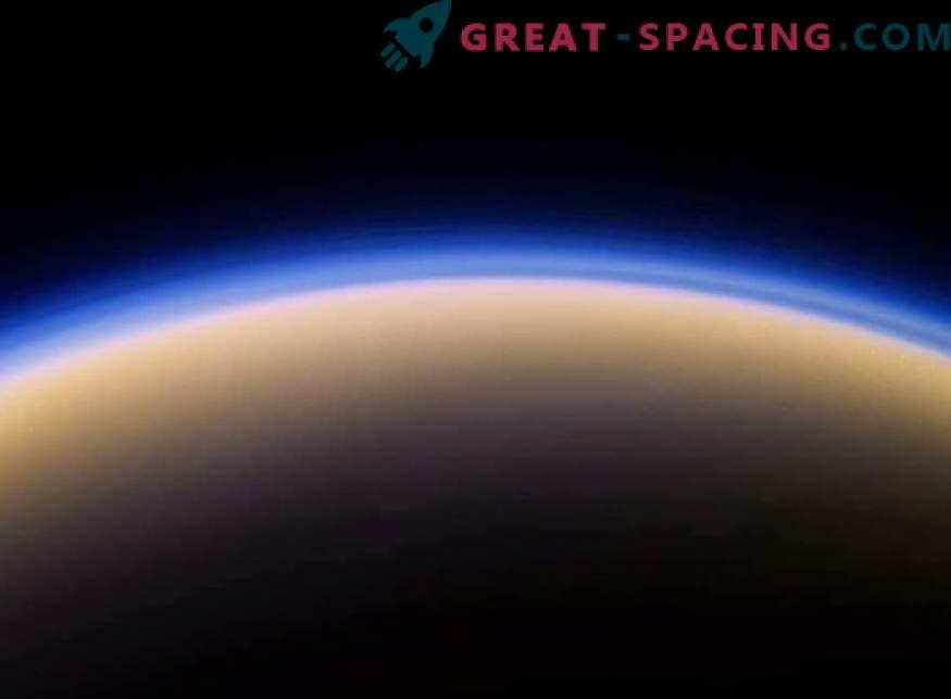 Madal raskusaste võimaldab Teil lennata Titanil