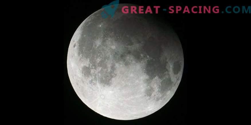 Komeetri, Kuu Eclipse ja lume kuu üleöö!
