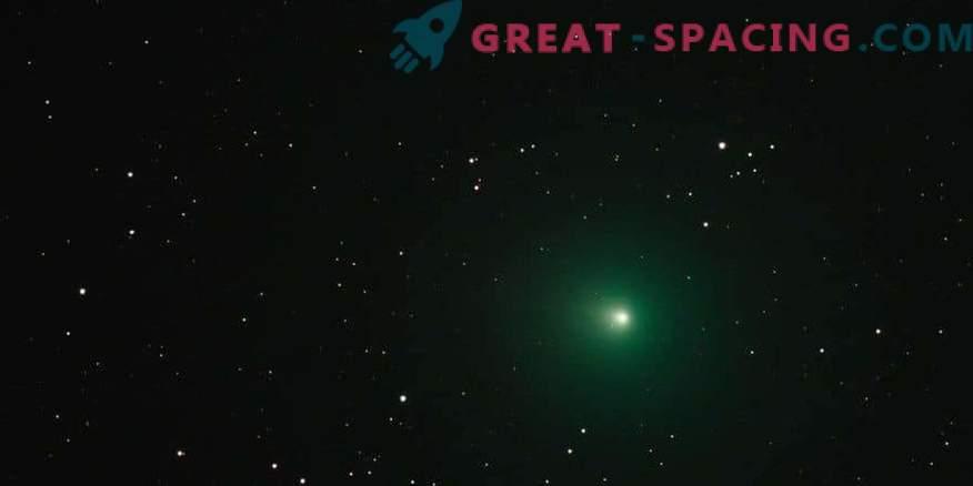 Miks näeb jõulud komeet roheliselt?