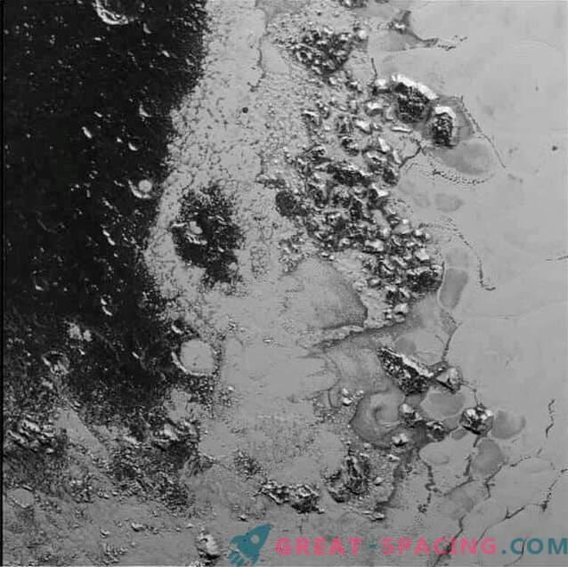 New Horizons avastas Pluto pealt teise mäeaheliku.